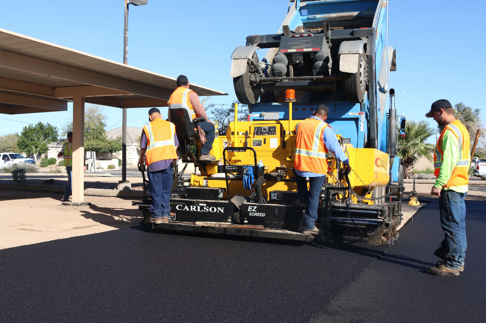 By checking that the screed is both aligned and level before the start of the day, contractors can make the necessary adjustments to produce high quality results for their customers.