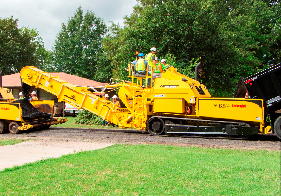 Bomag's new CR662RM RoadMix paver and MTV