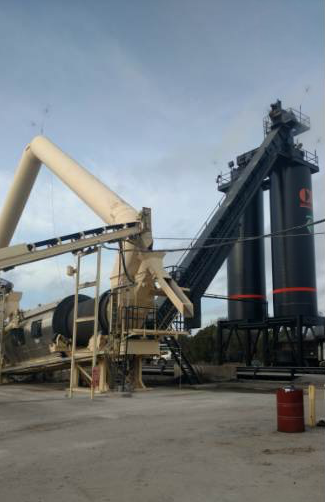 Coastal Bridge's asphalt plant in Convent is equipped with an Accu-Shear Blending System from Stansteel.