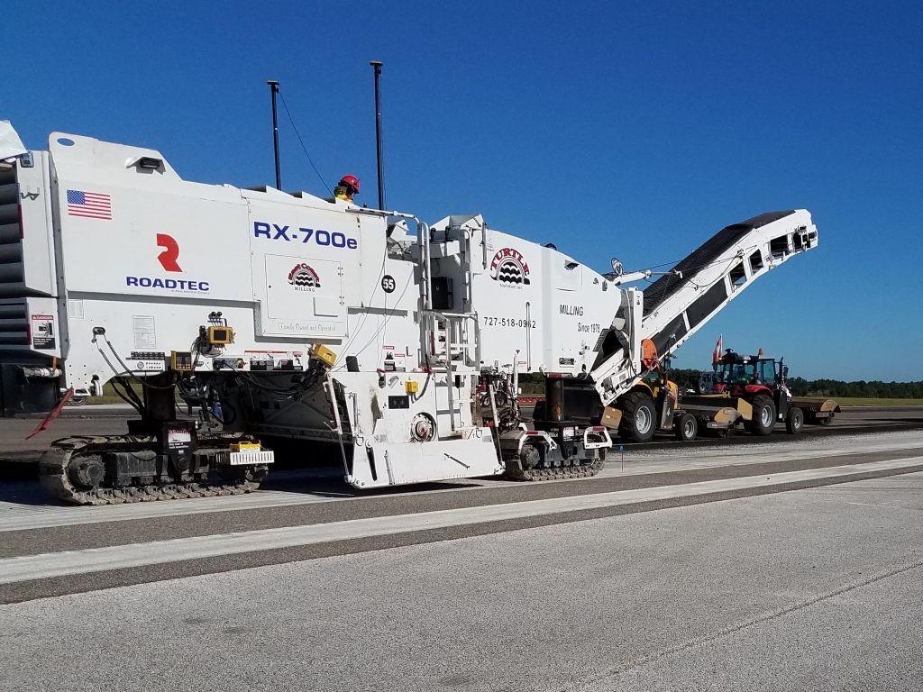 Turtle Southeast Inc. of Largo, Florida, has a fleet that includes 13 Roadtec milling machines, 13 service trucks, 9 transports, 5 water trucks and a variety of ancillary vehicles. For the MacDill Air Force Base runway project, they had eight Roadtec RX-700e cold planers working simultaneously.