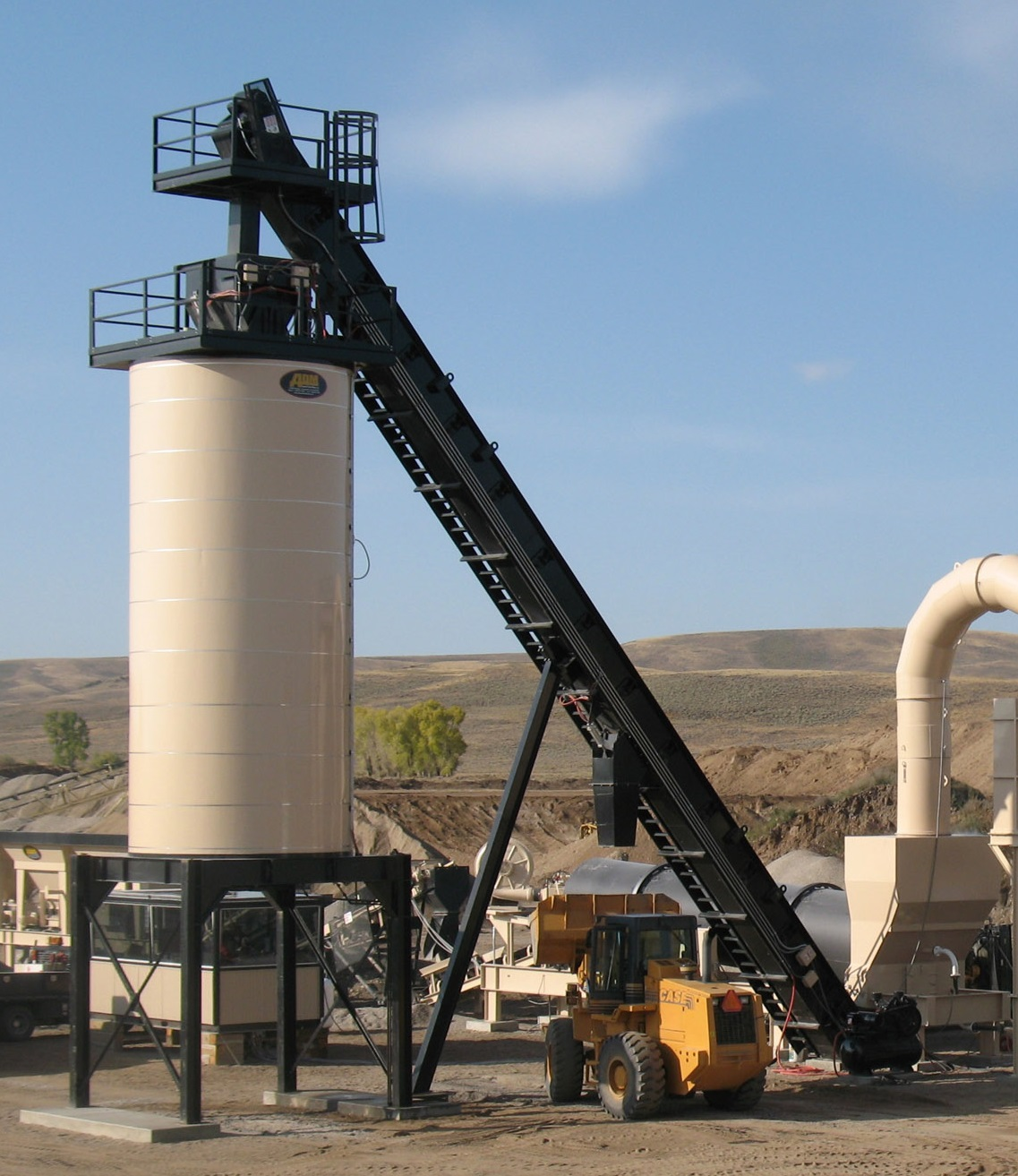 Asphalt Drum Mixers offers heavy-duty drag conveyors with material transport ratings up to 500 TPH.
