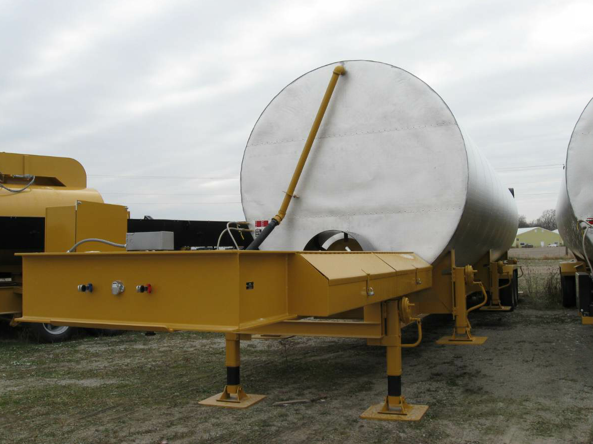 ADM asphalt cement tanks feature a serpentine coil arrangement to provide a heat exchange area of more than 1,200 feet.
