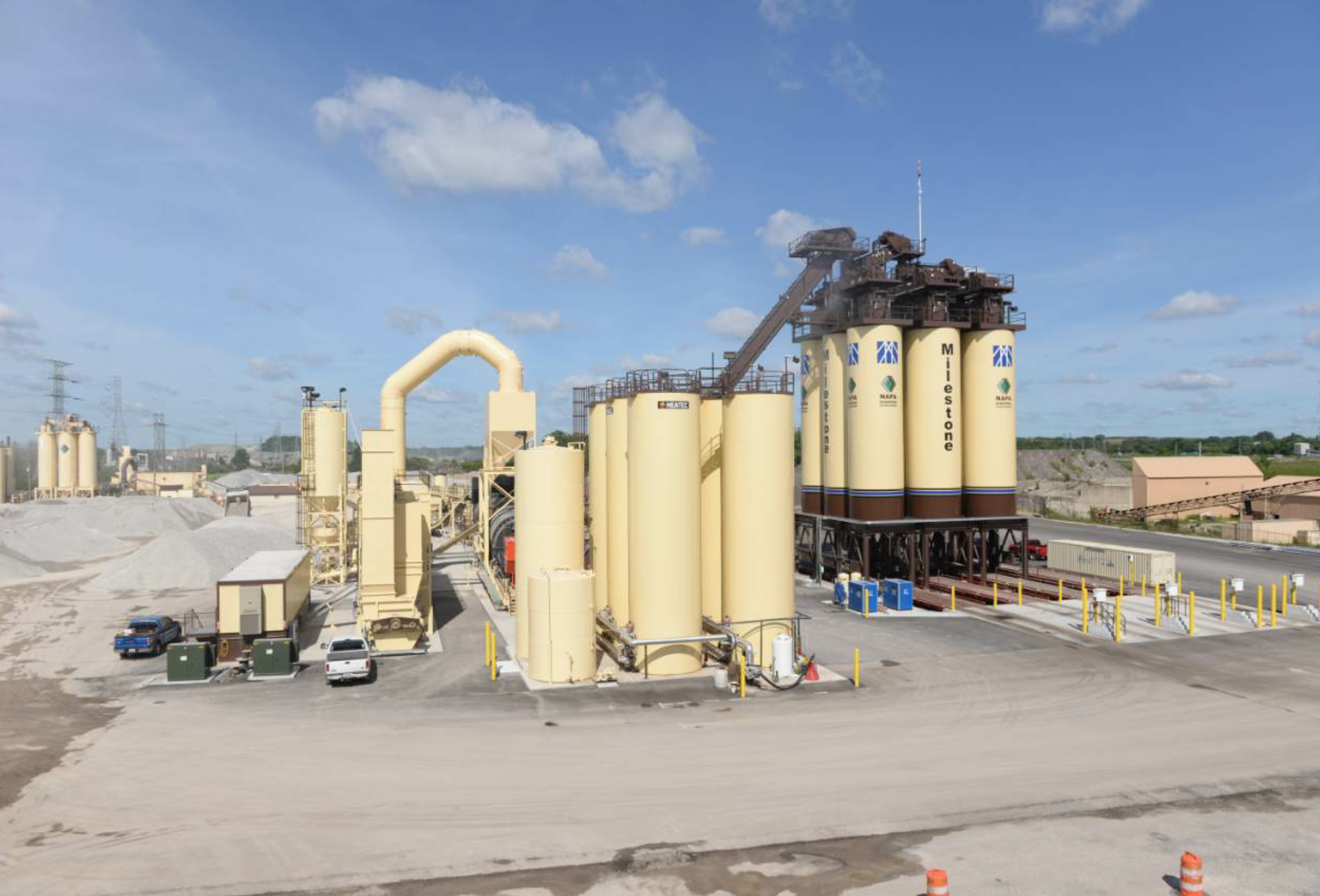 Given the enormous production rates expected from Milestone's customers, the company chose the long-term, four-day storage silos in a 3-by-3 setup. The Milestone team even repositioned the entrance, loading and exit points, enhancing traffic flow for customers and driver safety.