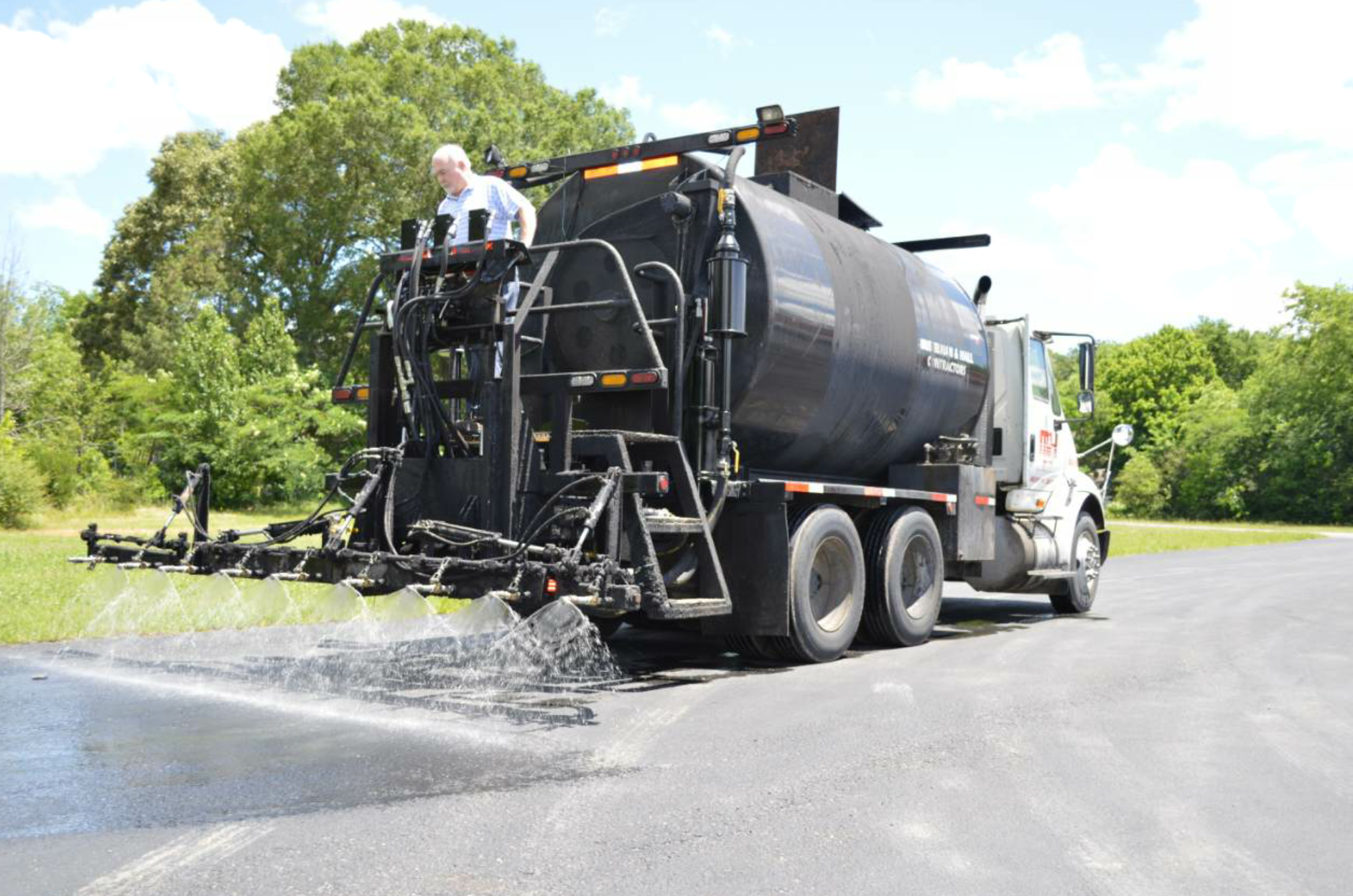 Neal Manufacturing has introduced its Generation IV pumps for retrofitting asphalt trucks.