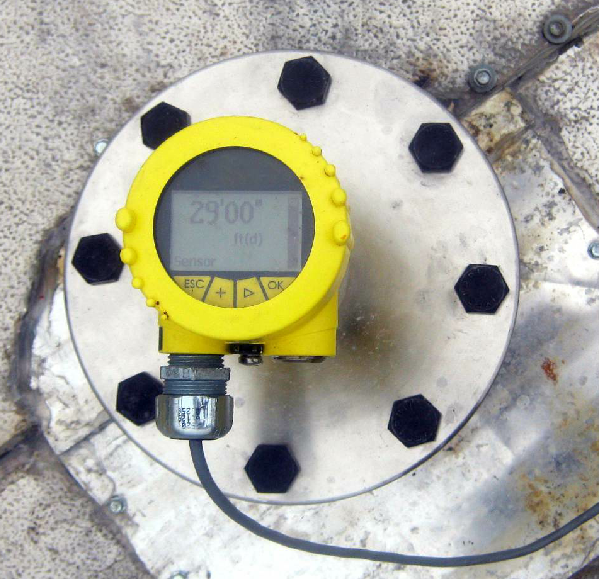 The Accu-Radar from Hotmix Parts & Service is designed to detect the level of finished asphalt in the silo, regardless of material distribution.