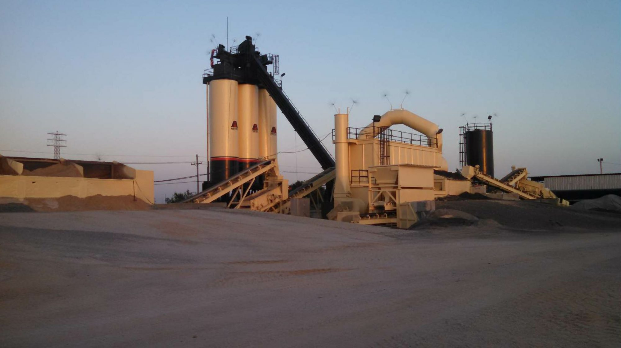 The team at Coastal Bridge in Port Allen produces modified mixes in long, steady runs to get optimum efficiency. Photo courtesy Coastal Bridge.