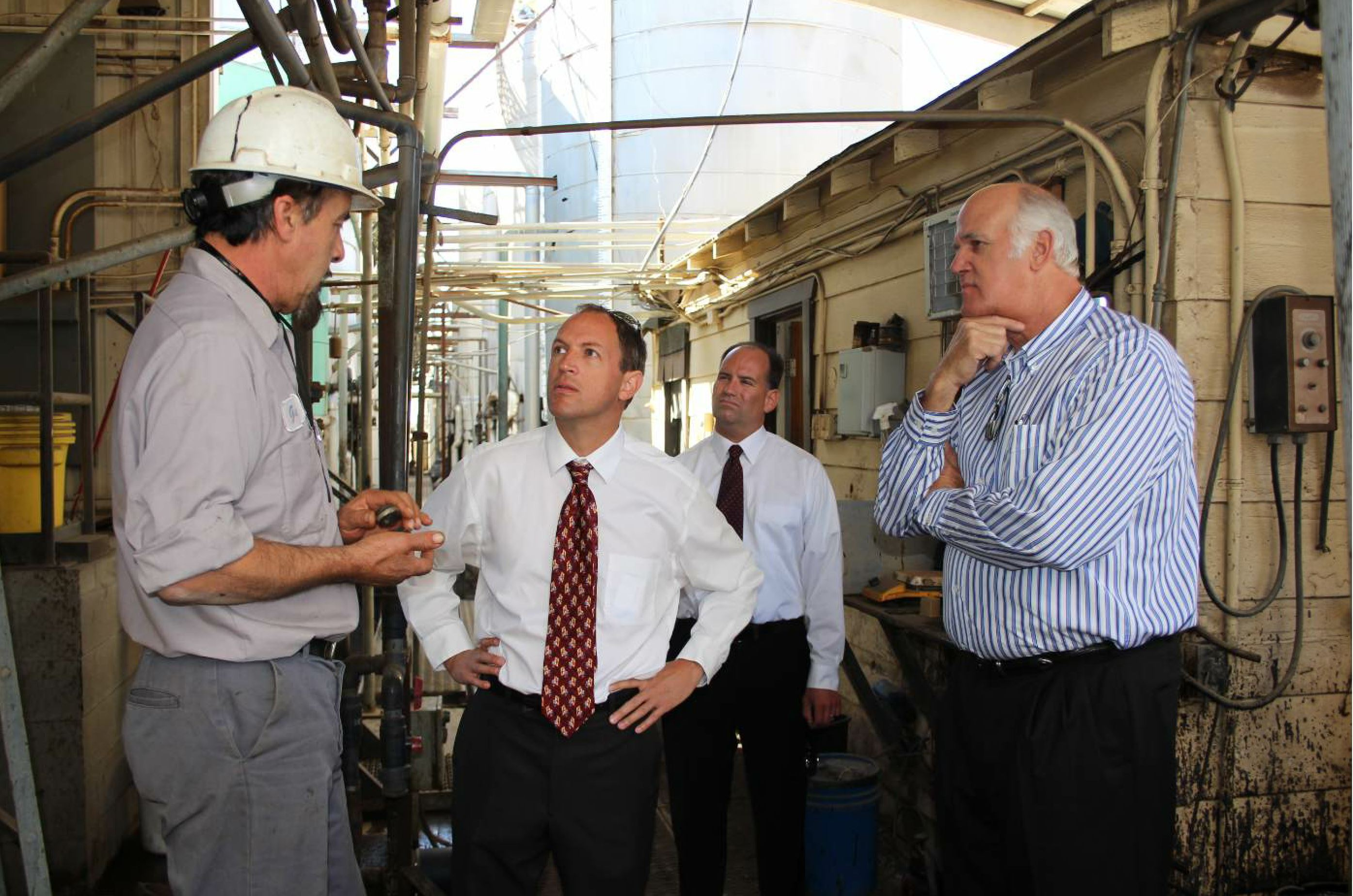CCA participates in a number of industry initiatives, including giving plant tours to lawmakers. Photo by the California Asphalt Pavement Association (CalAPA) – used with permission.