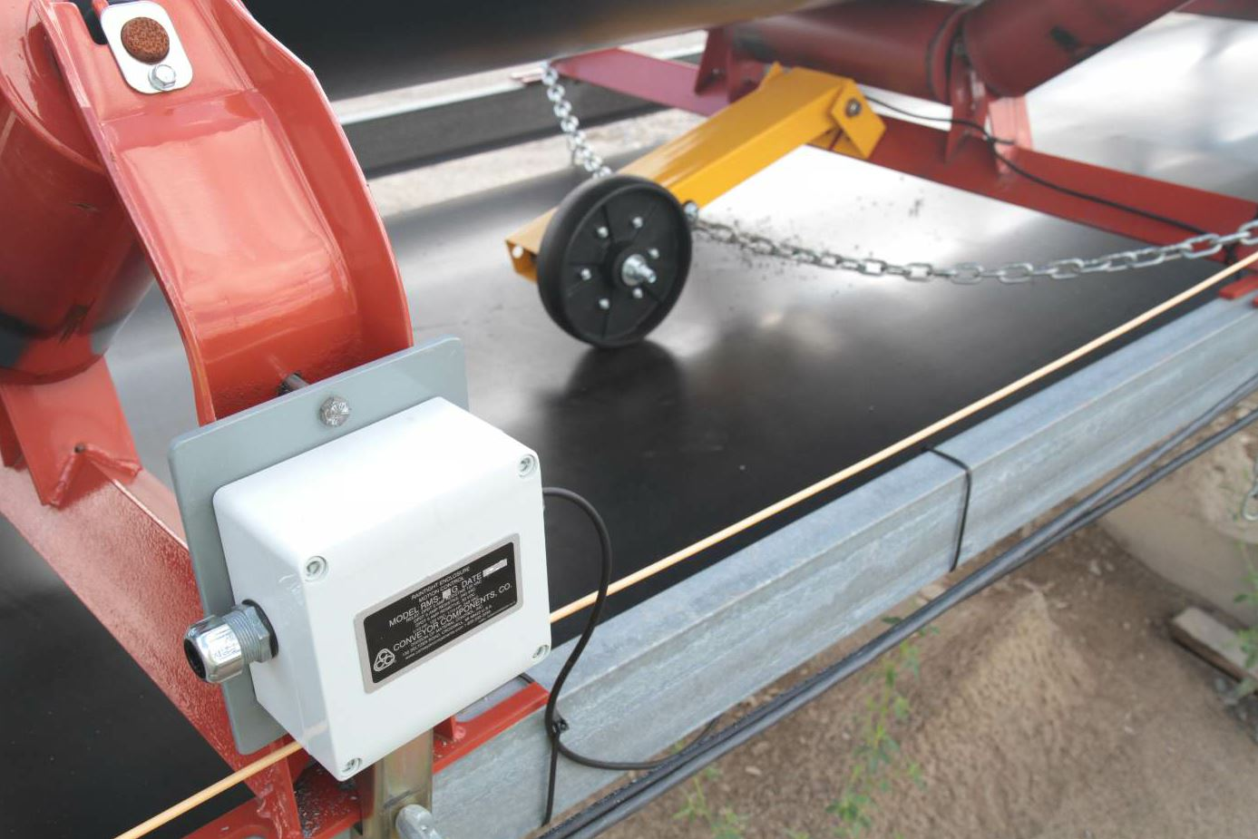 The belt speed detector from Conveyor Components indicates when a conveyor belt has slowed or stopped.