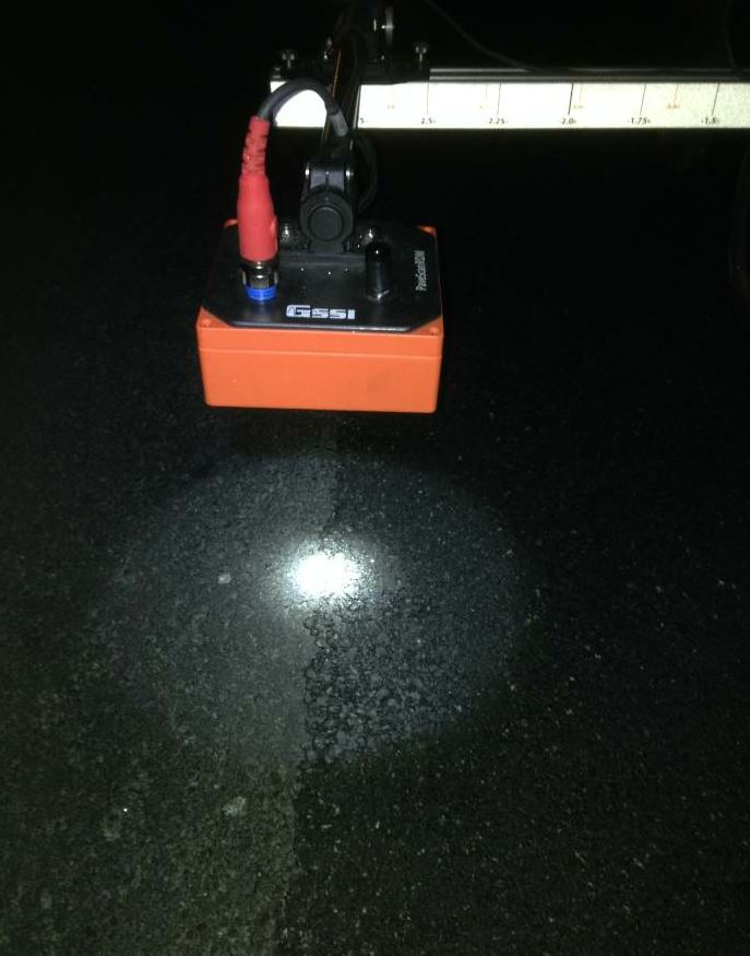Here the PaveScan assesses a longitudinal joint during night paving.