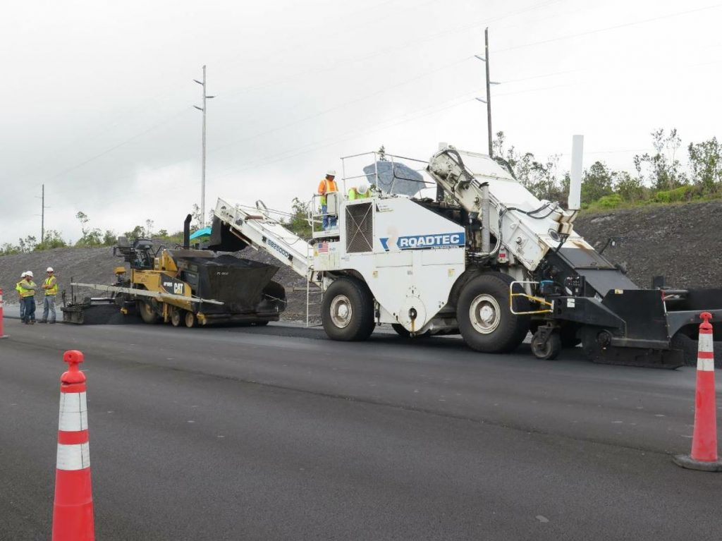 To expedite dump times, RHB chose to use belly dumps and a Roadtec Shuttle Buggy, which is uncommon in Hawaii, due to frequent intersections and driveways on most roads.