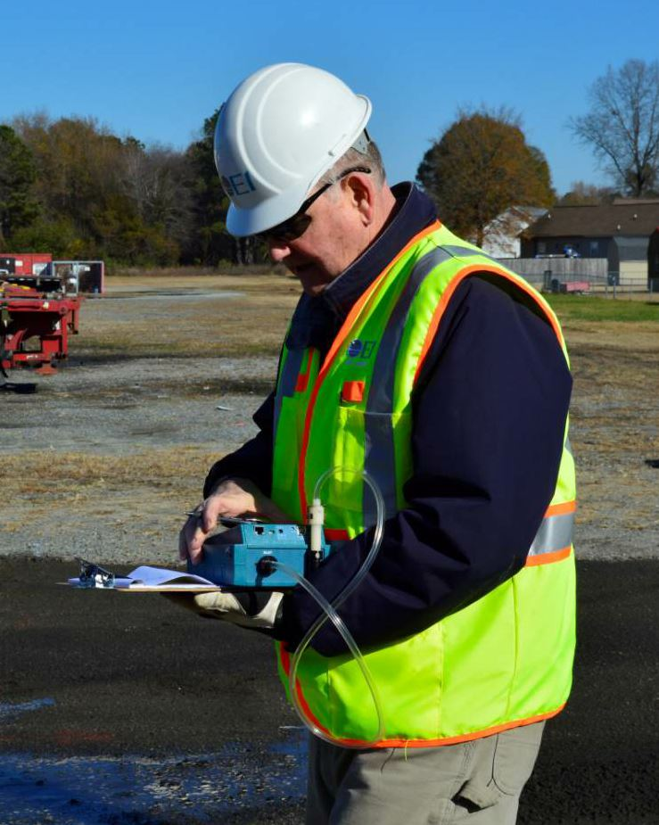In this image, J. Lindsay Cook, senior vice president at The EI Group Inc., performed silica level monitoring while the NeSilex™ silica dust suppressant was in use. Photo courtesy Chemtek Inc., Research Triangle Park, North Carolina.