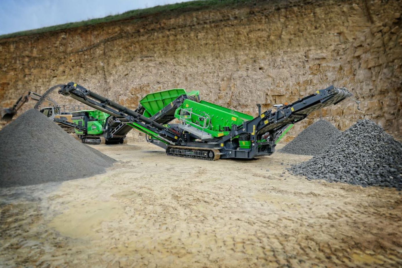 The Colt 1000 is a tracked mobile unit. Photo courtesy EvoQuip.