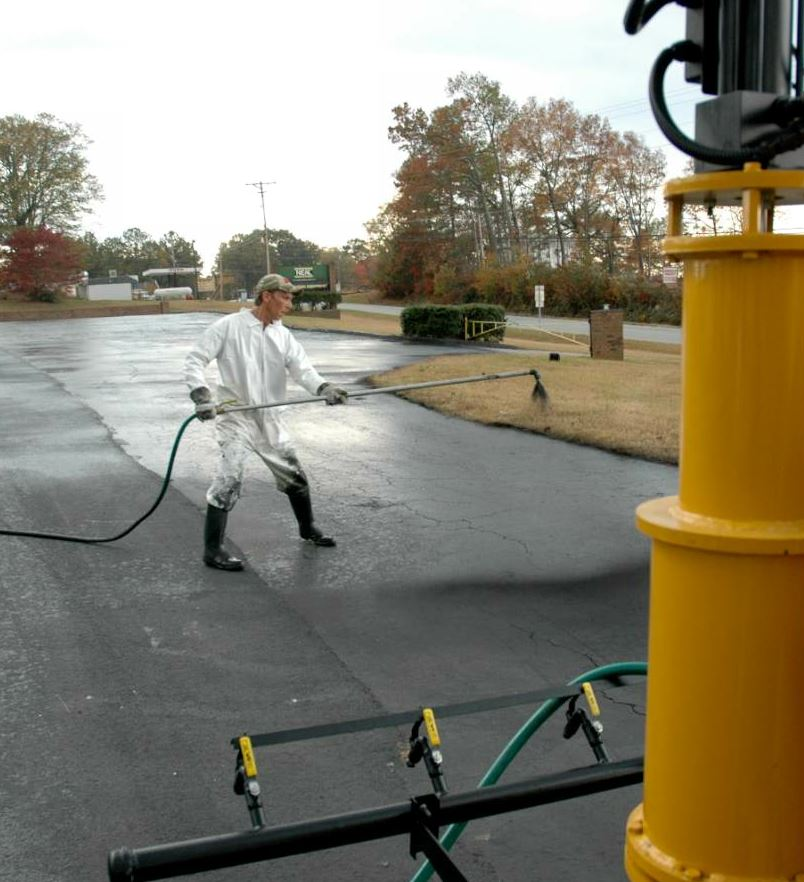 Prior to adding the DA-350, Southeast Asphalt would take on large lots using a truck-mounted hand-spray applicator. With the new machine, hand spraying is only required around the edges.