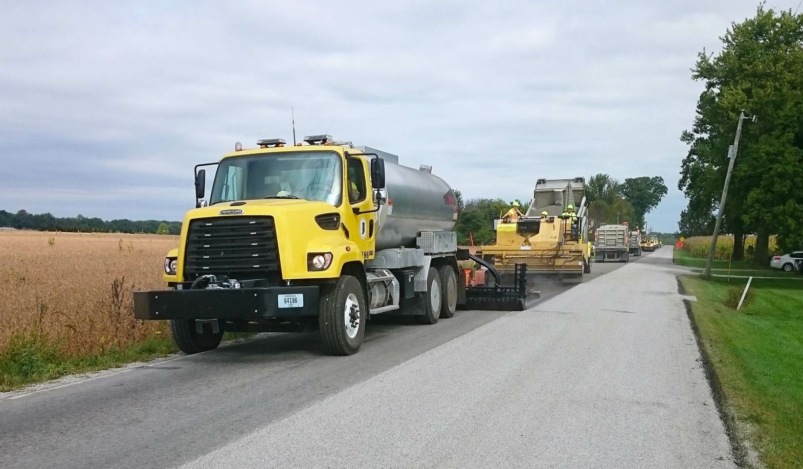 With the Indiana Department of Transportation performing more of its chip seals in-house, leadership wanted to ensure the core crewmembers, sub district managers and unit foremen were trained properly.