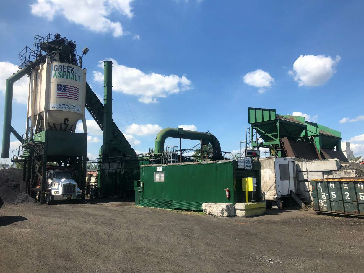 The team at Green Asphalt realized that they'd have to make significant changes to the way asphalt is produced to achieve their goal of producing asphalt with 100 percent RAP.