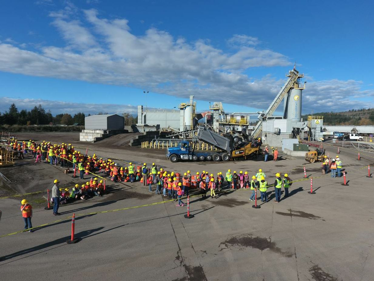 In 2016, students from Centralia Elementary School go a tour of a Lakeside asphalt plant. The company believes in educating the next generation and showing what career opportunities are available to them in our industry.