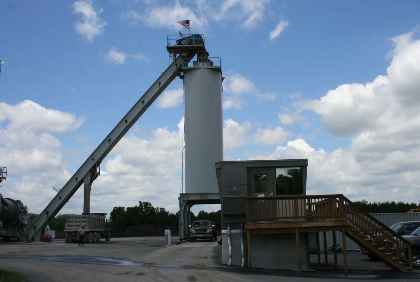 Chemung's asphalt plant in Culpeper is a Terex counterflow plant producing 300 tons per hour.