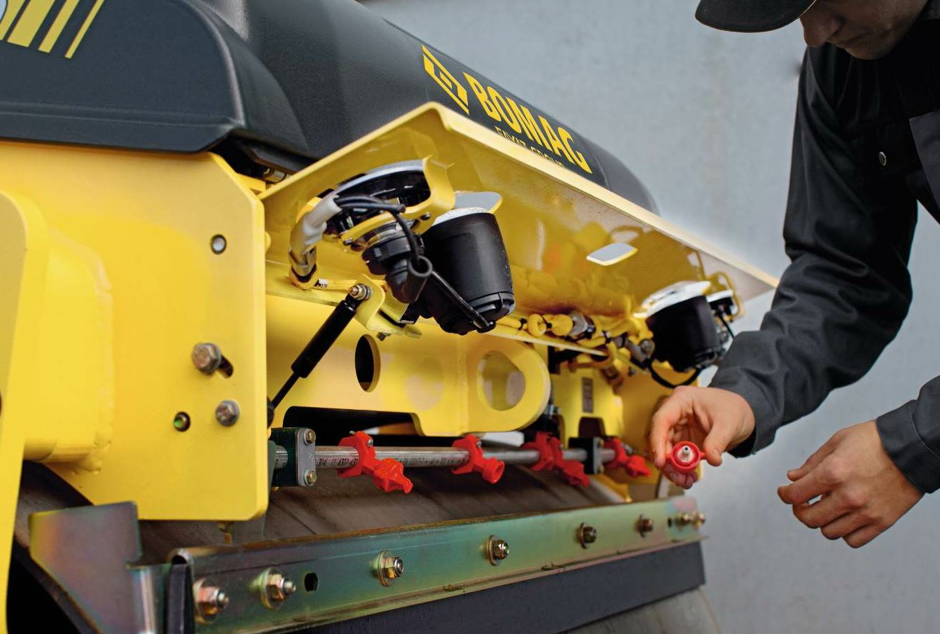 The roller operator should have on hand spare small parts such as spray nozzles and fuses.
