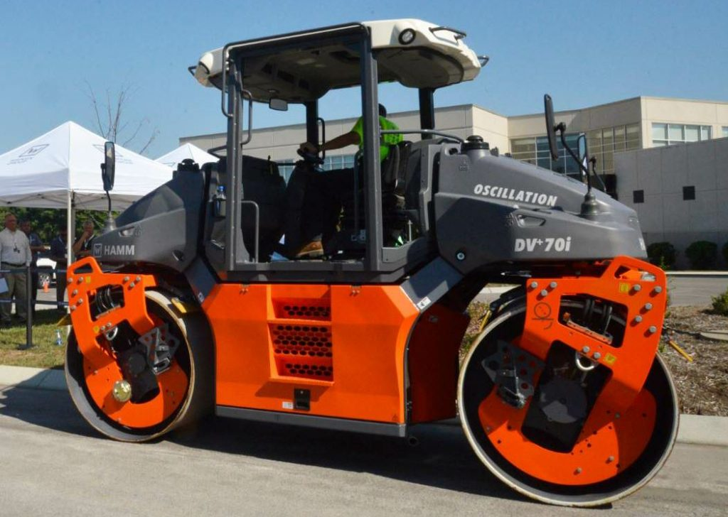 The DV+ 70i compactor from Hamm