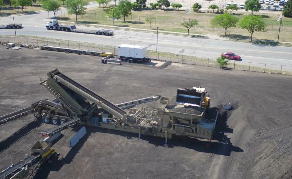 This drone-captured image shows the ProSizer® 3600 plant in the yard next to a pile—tight quarters. All photos courtesy Astec Mobile Screens.