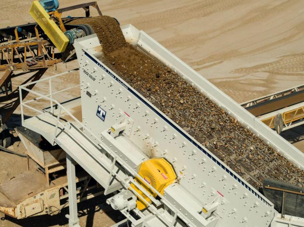 Haver & Boecker's F-Class vibrating screen features four-bearing technology, which minimizes structural vibrations and delivers a consistent stroke, virtually eliminating surging, blinding, pegging and material contamination.