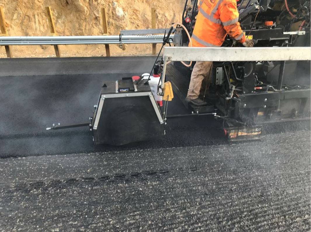 Specifications for gently sloping safety edges, also known as notch wedge joints, have become common across North America. Montana's Department of Transportation requires notch wedge joints on its projects