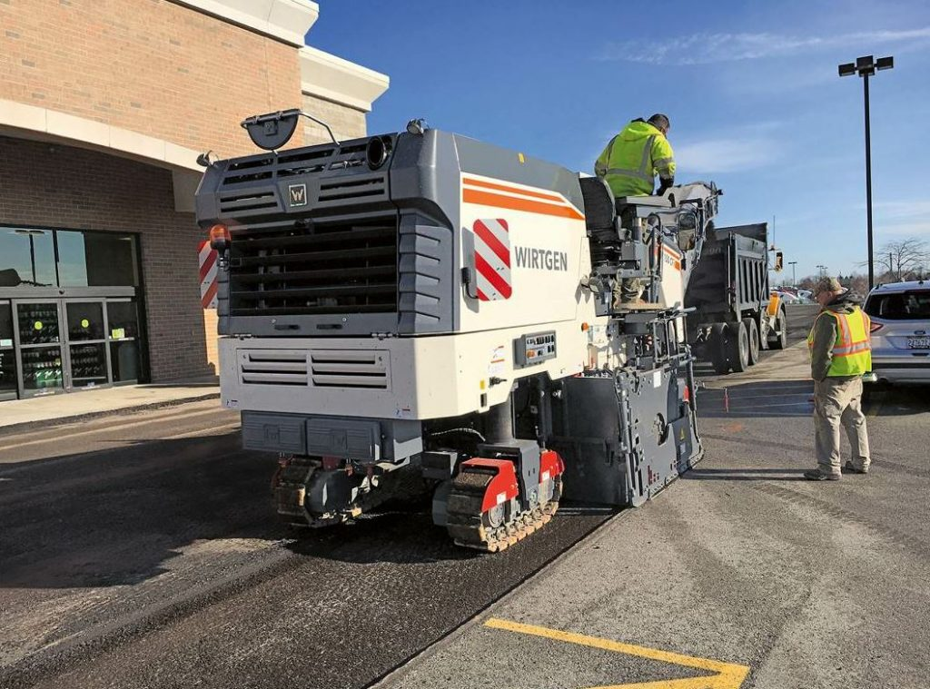 The Wirtgen W 150 CF/ W 150 CFi compact milling machine with the new 1,800 mm milling drum assembly will be on display at booth 33077.