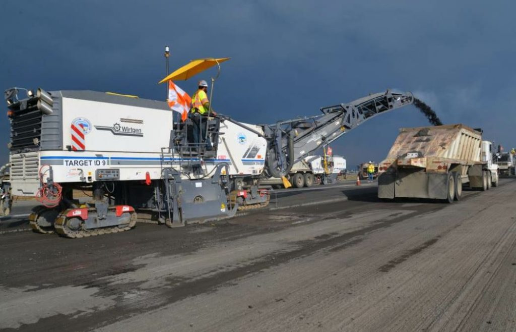 In total, PRS milled 47,000 tons of asphalt within a 60-hour time frame, plus the single-shift second phase.