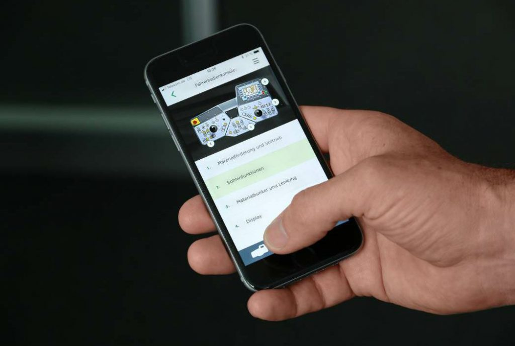 Vögele has developed an app and a web special, especially for the ErgoPlus 3 paver operating concept.