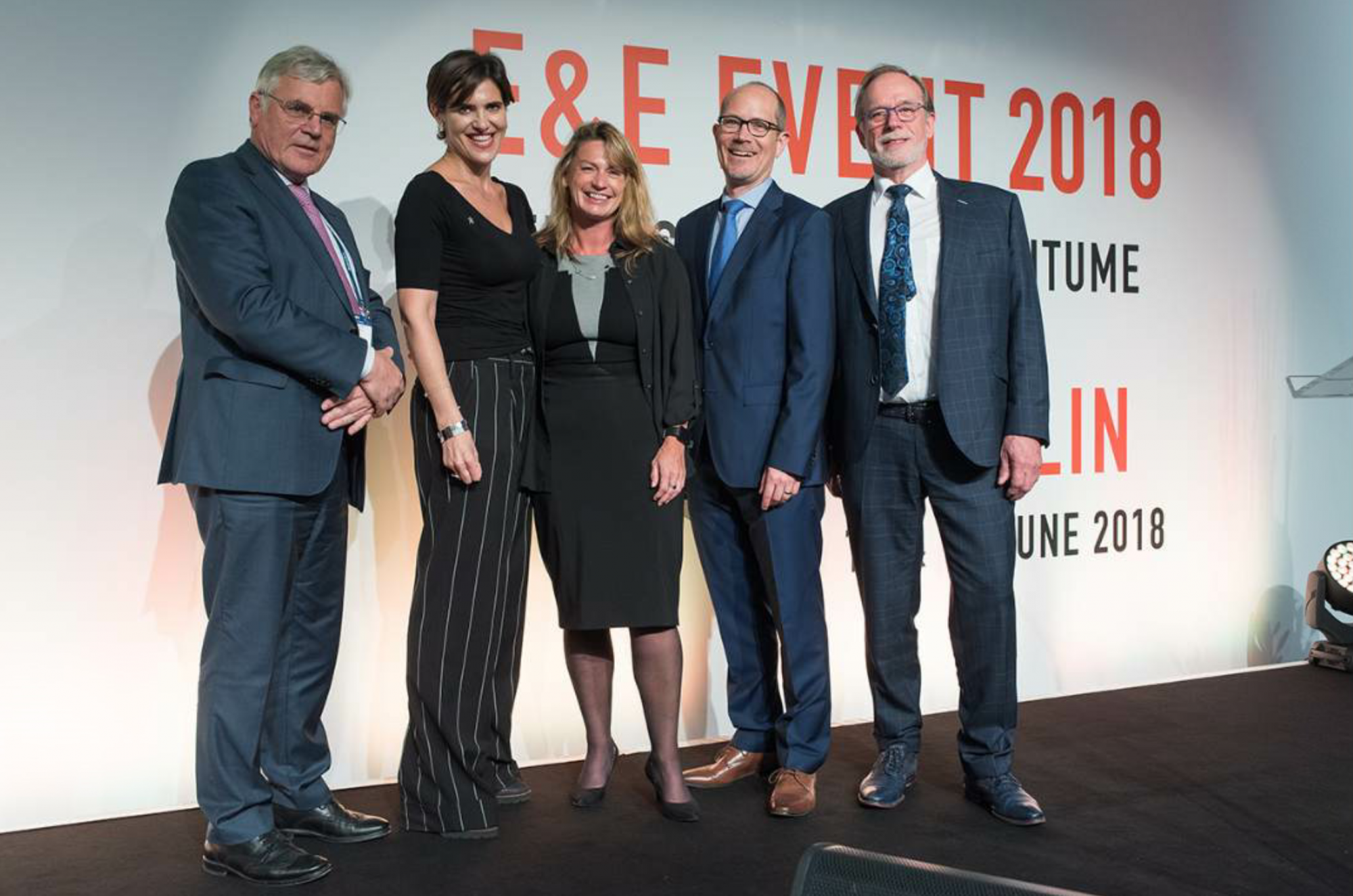 From left to right, former Eurobitume Director General Aimé Xhonneux, Moderator Katrina Sichel, Eurobitume Director General Siobhan McKelvey, EAPA's current and immediate past Secretary Generals Carsten Karcher and Egbert Beuving