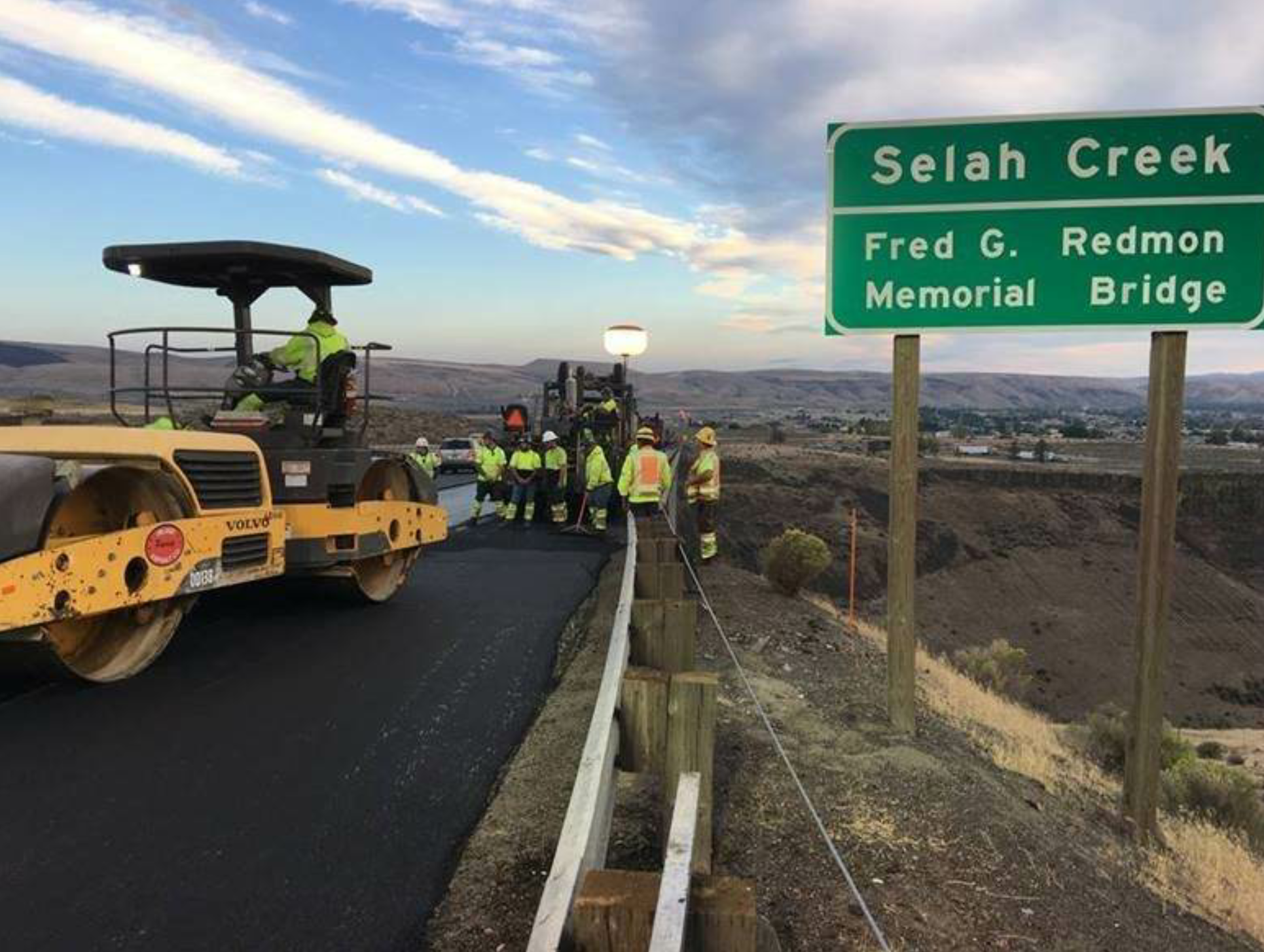 Columbia Paving, a WAPA member, paved the Selah Creek Bridge deck. In these pictures, the team prepares to take off from the bridge seat and double-checks the work once the lane is under way.